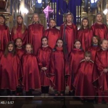 Hymn ŚDM w wykonaniu scholi z Niepołomic